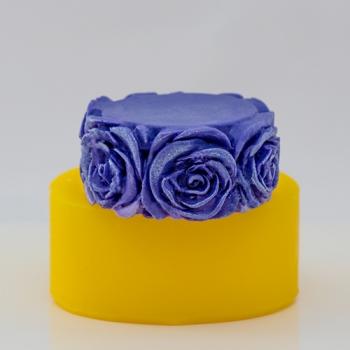 Цилиндр с розами