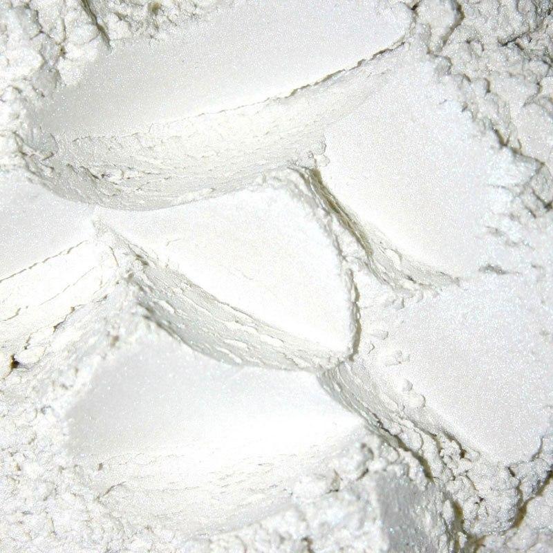 Белый