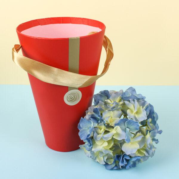 Конус (коробка) для цветов 13х13х20 см красный с полоской