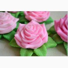 Роза на листьях 3D